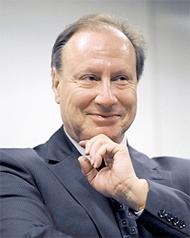 Monsieur Philippe Burrin, directeur de l'UHEI de Genève