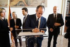 399-2016 - Firma lettera a Renzi